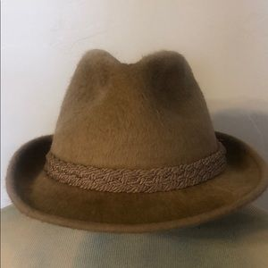 "Stetson ""the playboy"" vintage hat 22.5 (1668)"